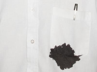 cara Menghilangkan Noda Tinta pada pakaian