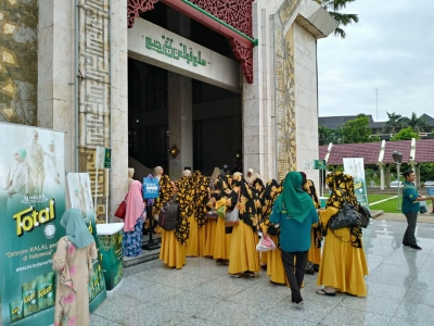 Pengajian Akbar di Mesjid At-Tin