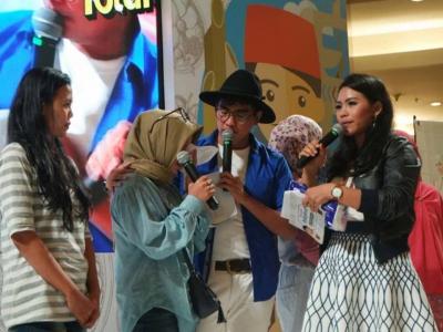 Total bersama Program Rumah Indofood di Hypermart Royal Surabaya